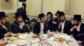 jews-singing-prayers-for-God-14995669497940.webm