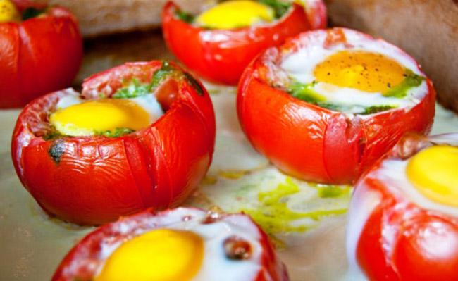 Фаршированные яйца помидорами рецепт фото