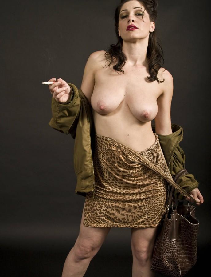 Nude bollywood actress kareena kapoor