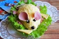 krasivyi-sloenyi-salat-na-god-krysy15734563401max.jpg
