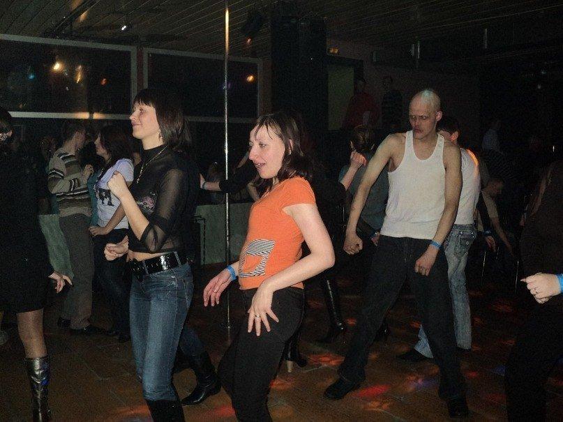 Деревенские телки танцуют