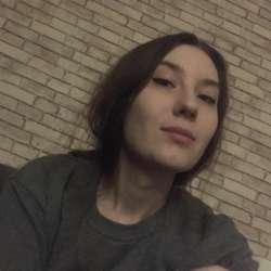 Украинскую девку-селючку порят селюки в сельской хате, проститутка за час заказать
