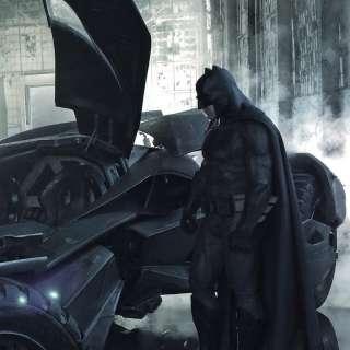 Бэтмен трахает бетгёрл в бет пещере