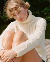 taylor-swift-folklore-sweater-820x1024.jpg