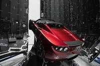 274px-TeslaRoadsterinFalconHeavyfairing.jpg